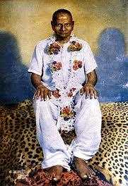maharaj-sitting-pose