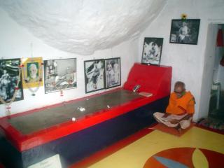 virupaksha-cave-2